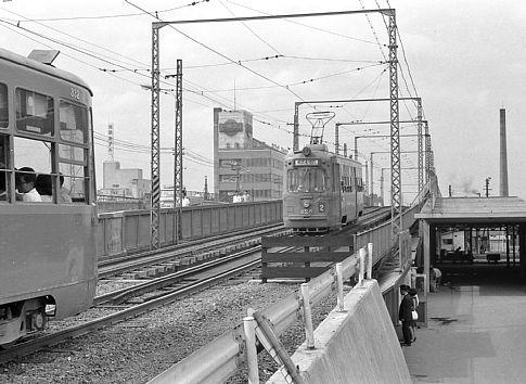 市電 札幌 札幌市電の還暦車両が引退…1961年製のM101、初の連結車 10月31日ラストラン